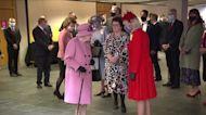 Queen Elizabeth calls leaders 'irritating' -media