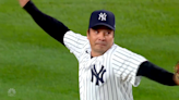 Jimmy Fallon gets help from Yankees legend for first pitch, but still can't throw a strike
