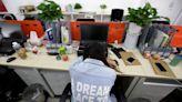 中國科技公司員工掀起反「996」加班運動 4000人每天上網公開工時--上報