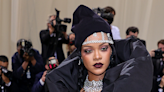 You have to see these pictures of Rihanna's mullet from the back