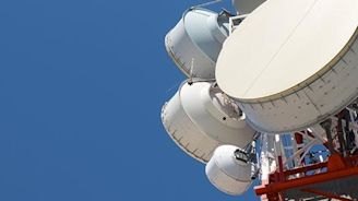 Does Asia Satellite Telecommunications Holdings Limited (HKG:1135) Have A Good P/E Ratio?