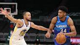 Injury Report: Bucks' Giannis Antetokounmpo (left knee soreness) out vs. Warriors on Tuesday