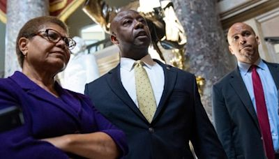 Bipartisan police reform negotiations spurred by George Floyd's death collapse in Congress