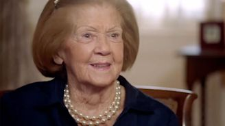 Patricia Rooney Recounts 'Immaculate Reception' in Clip from Doc About Leading Ladies of the NFL