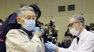 日本疫情惡化 專家歸因疫苗接種慢高齡人口多