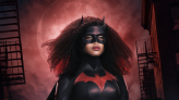 Javicia Leslie shows off her new Batwoman suit
