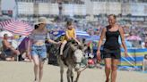 Mercury to climb to 33C and warning in place as Brits sizzle in soaring heatwave