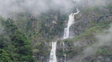 壯觀!台灣第一高瀑「蛟龍瀑布」雨後宣洩而下如巨龍翻騰