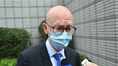 【8.18及8.31案】庭外直擊:歐盟代表旁聽 錢志健譴責大紀元被襲