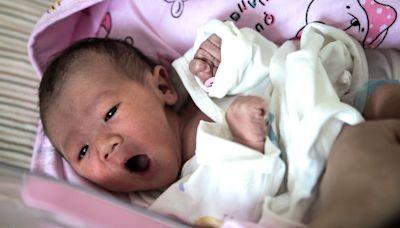 中國黑戶嬰兒如何洗白身份 假報警真落戶