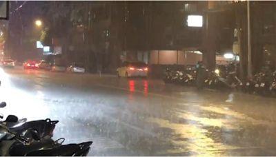 雷聲隆隆!大台北深夜雷陣雨 專家曝原因:十分少見