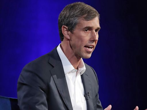 Beto O'Rourke floats run for Texas governor, vows he's 'in for the distance'