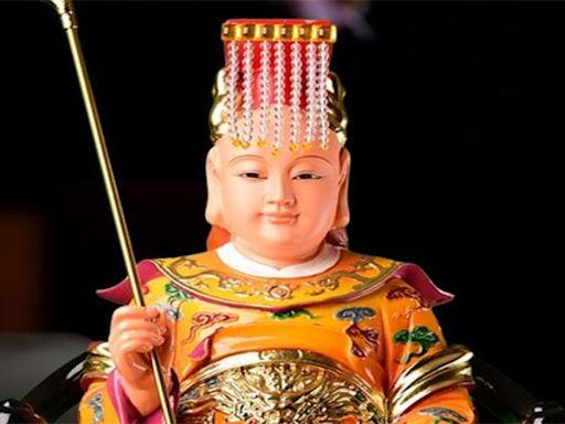 觀音菩薩的脅侍善財龍女,是東海龍王之女嗎?她手中捧的金珠是啥