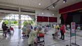 讓長者注射疫苗有舒適空間 台南後壁商借國小展演中心