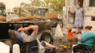 Stranded Oregon evacuees receive food aid amid US wildfires