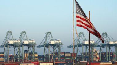 美國港口運力損失超20% 40艘貨輪待卸貨 三大連鎖反應顯現
