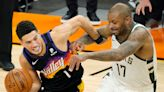 Booker brilliant, needs to get more help from stagnant Suns