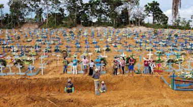 巴西第三波疫情恐來襲 專家憂萬人塚再現