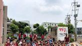 桃市美語班師生參觀消防分隊 消防員宣導防火練英語