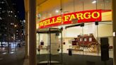 Warren asks the Fed to break up Wells Fargo - The Boston Globe