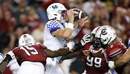 Kentucky is 4-0 and 2-0 in SEC play. Can it survive a tough October slate?