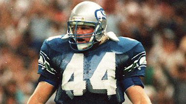 Brian Bosworth to raise '12 Flag' before 49ers-Seahawks game in Seattle
