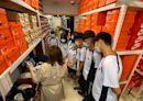 百貨公司週年慶一日店員見習 新社高中學子收穫滿滿 | 台灣好新聞 TaiwanHot.net