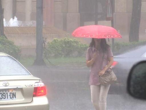 快訊/雨彈襲!全台13縣市豪、大雨特報 慎防雷擊強陣風