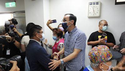朱立倫新北市議會謝票 獲黨籍議員歡迎(2) (圖)