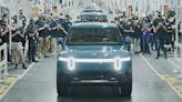 領先特斯拉和福特一步,Rivian R1T 電動皮卡量產車型即將開賣