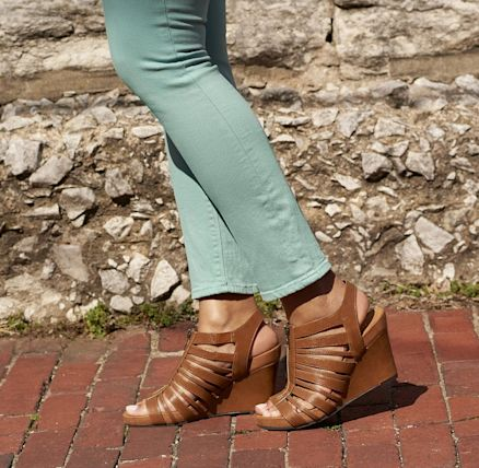 famous footwear del amo