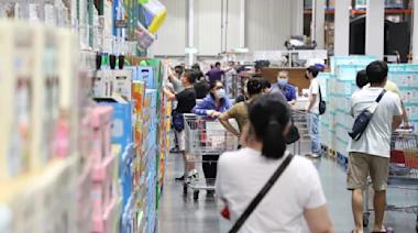 防疫警戒降級 北市百貨、賣場、超市取消身分證號分流
