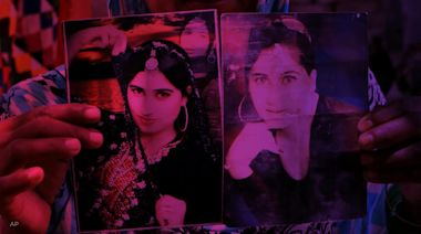 Pakistan court gives slain model's brother life sentence