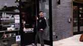 不爽咖啡店貼BLM標語 白男喊「大家的命都是命」
