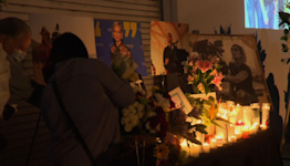 Vigil for cinematographer Halyna Hutchins
