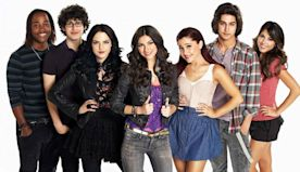 Ariana Grande Posts Throwback Pictures In Honor Of 'Victorious' Anniversary