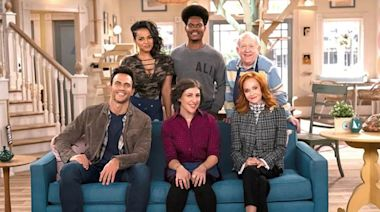 'Call Me Kat' Trailer Offers First Look At Mayim Bialik's Fox Series; EPs Explain How Sitcom Will Differ From Miranda...