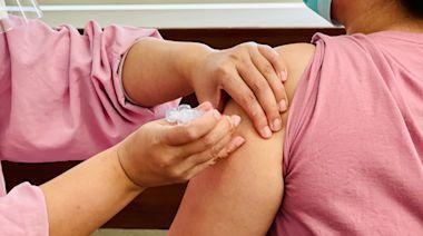519萬人次打過疫苗 AZ、莫德納各新增12例接種後死亡 | 蘋果新聞網 | 蘋果日報