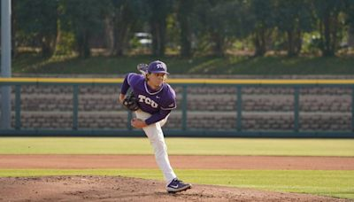TCU baseball evens series against Texas, moves one victory away from the Big 12 title