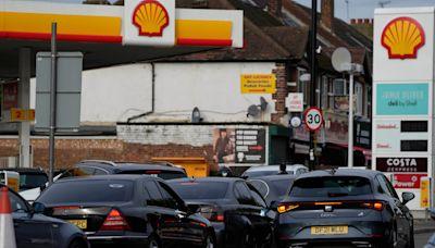 缺油危機惡化 英國交通大臣籲民眾勿用寶特瓶裝汽油