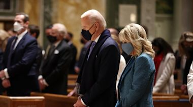 Biden visits cathedral ahead of swearing-in