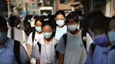 台灣疫情趨緩本土零確診 周二起放寬戶外運動及拍照可除口罩