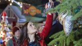 """How to watch Hallmark Channel's """"Countdown to Christmas"""" 2021"""
