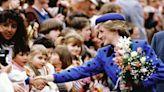 戴安娜王妃16個最美外訪穿搭!到訪不同國家的服飾都超有心思