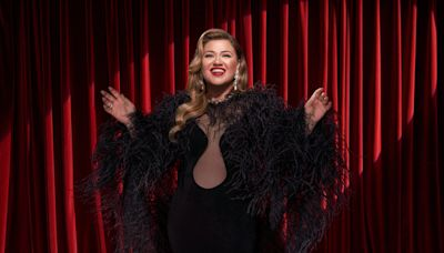 Kelly Clarkson drops holiday breakup bop 'Christmas Isn't Canceled (Just You)' just in time for... fall