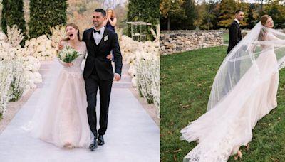 比爾蓋茲女兒珍妮佛結婚了!身穿Vera Wang白色蕾絲婚紗在馬場舉行浪漫戶外婚禮