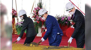 黃鐵嘴搶晶圓財3/擠身台灣第3大晶圓代工廠 黃崇仁頻說:「抱歉,沒有產能」