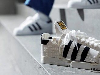 LEGO 最潮聯乘!Adidas Superstar 睇得唔著得? - DCFever.com
