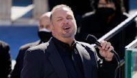 Garth Brooks sings 'Amazing Grace' at inauguration