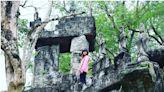 台版吳哥窟?頹圮古城、樹抱城牆、洞穴鐘乳石!台南「楠西萬佛寺」也太異國風